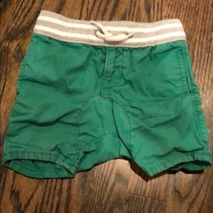 Green gap shorts